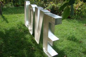 Drewniane litery podświetlane