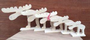Drewniane figurki stojące