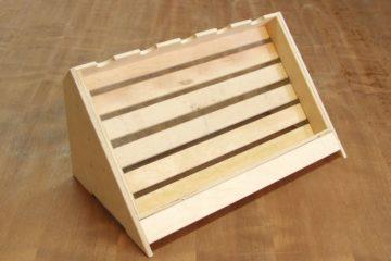 Drewniane stojaki do wina