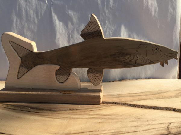Drewniane trofeum wędkarskie – Brzana