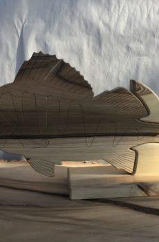 Drewniane trofeum wędkarskie – Okoń