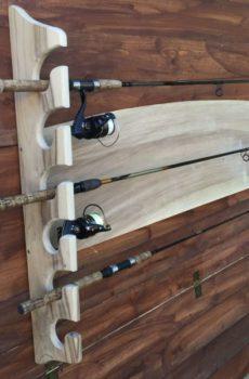 Drewniany wieszak na wędki (6 szt.) – orzech