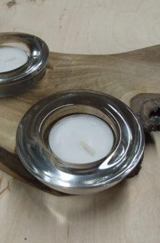 Świecznik drewniany (orzech) na 2 podgrzewacze (tealighty) nieregularny