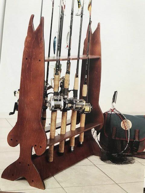 Drewniany stojak na wędki (20 szt.) ryba